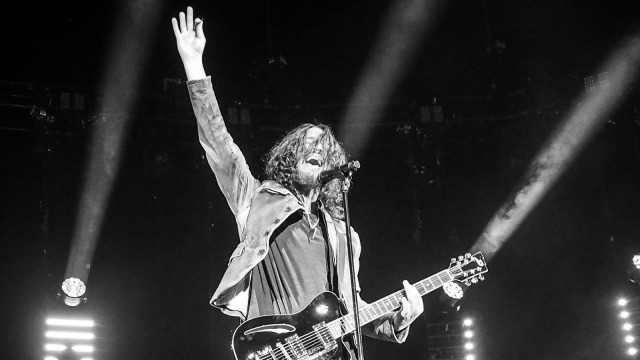 chriscornell waves goodbye